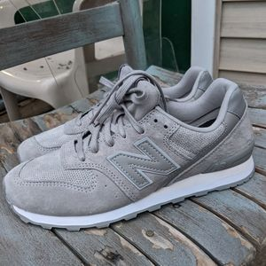 NWT Women's New Balance 696 Grey Running Sneakers